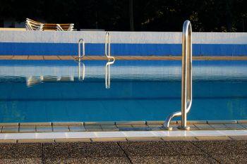 Der eigene pool im garten was ist zu beachten die for Garten pool was beachten