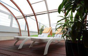 Der Artikel gibt Tipps für ein tropisches Feeling im Wintergarten.