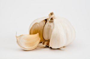 Artikelgebend sind Tipps zum Anpflanzen von Knoblauch.