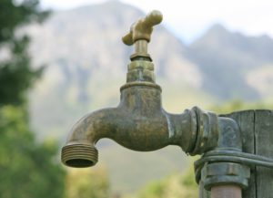 Wasserhähne im Garten – darauf sollten Sie achten